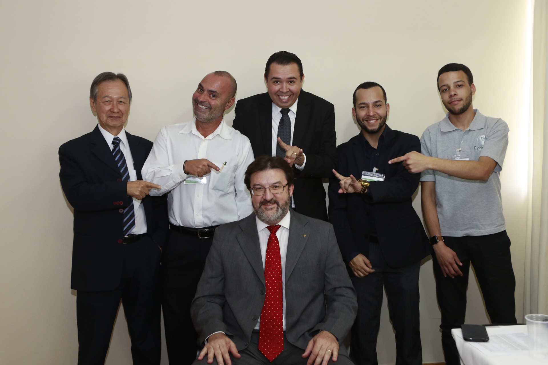 Equipe de engenheiros e técnicos da Dynamed.