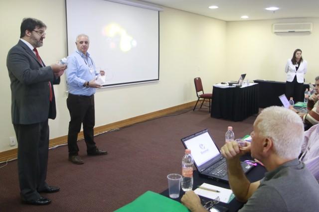 Sr. Manoel, da Dynamed, apresenta o EasyH2.